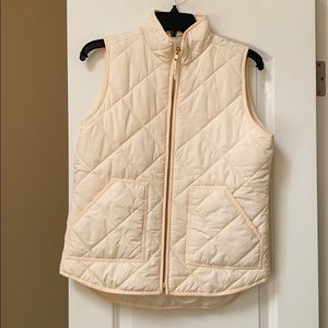 J.crew cream quilted vest 2 pockets size small